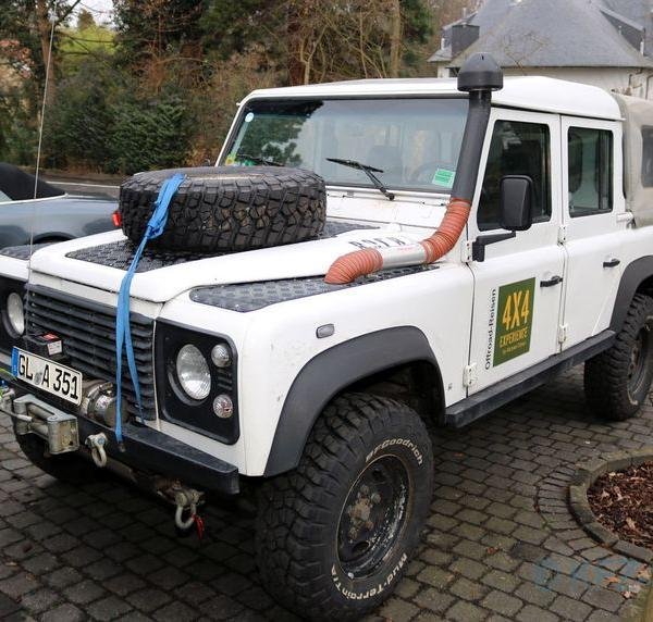 Land-Rover Defender Double Cab PickUp